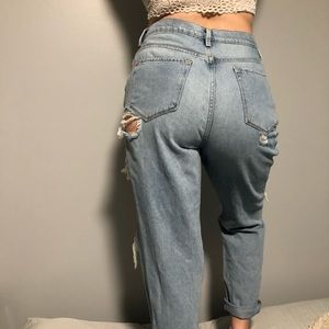 Urban outfitter high rise mom jeans size 29